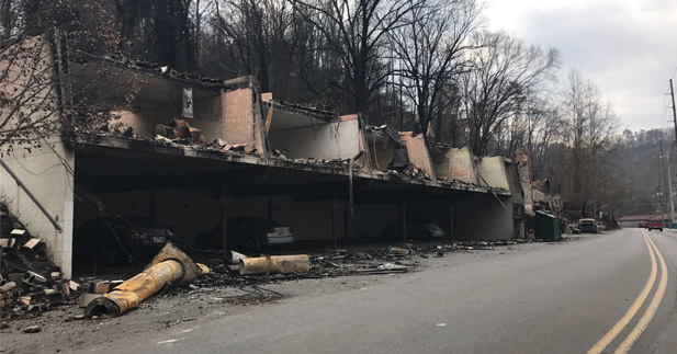 Picture of apartment complex destroyed by wildfires in Gatlinburg