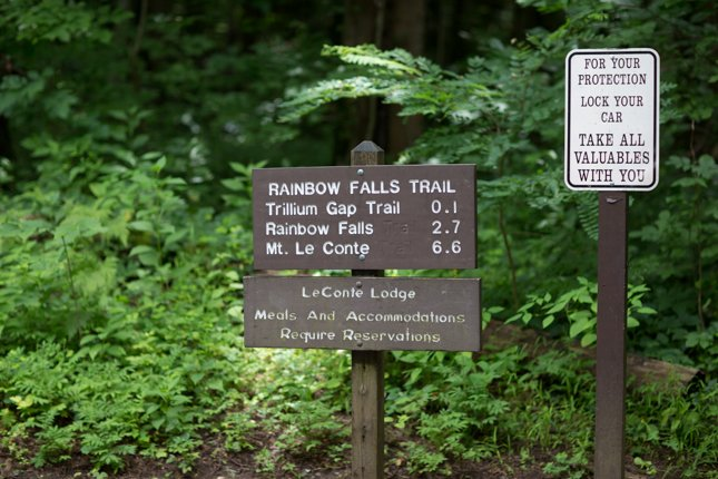 Rainbow Falls Trailhead