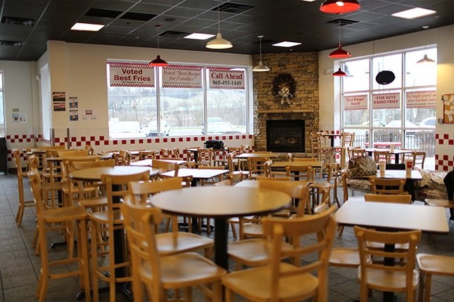 Pigeon Forge Five Guys Restaurant Interior