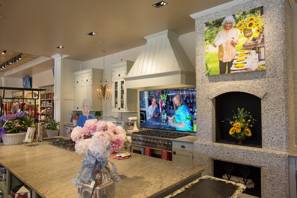 Paula Deen39;s Family Kitchen  Honest Review with Photos