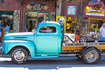 Get Revved Up: It's Rod Run Time in Pigeon Forge!