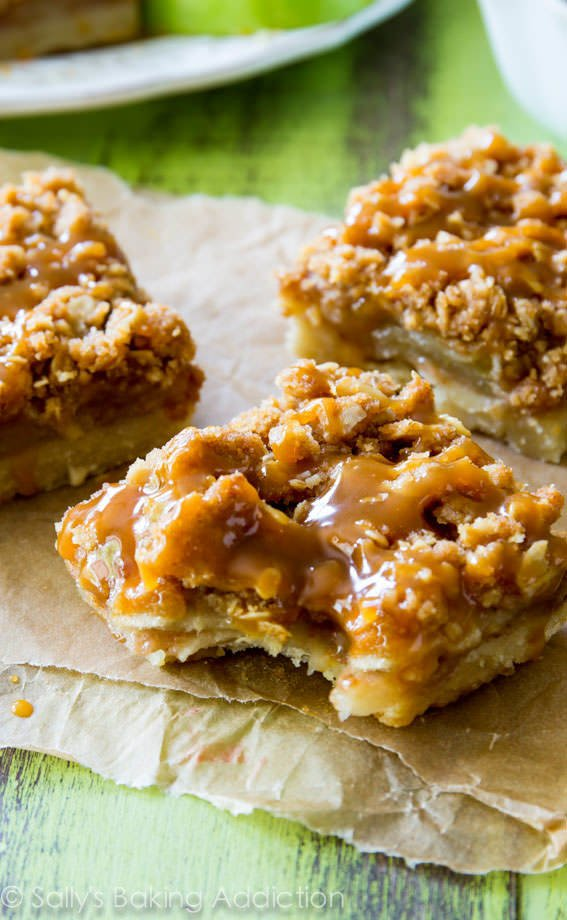 Salted-Caramel-Apple-Pie-Bars-5
