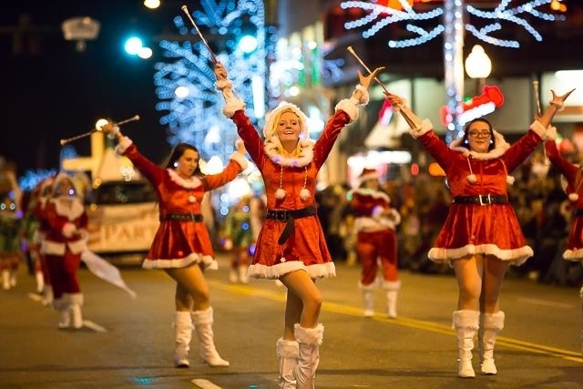 Fantasy-Of-Lights-Gatlinburg-Parade