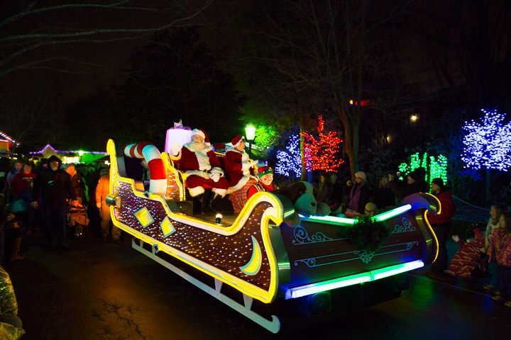 Christmas Shows to See at Dollywood
