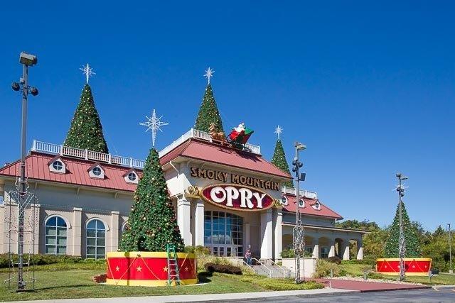 Smoky-Mountain-Opry-640