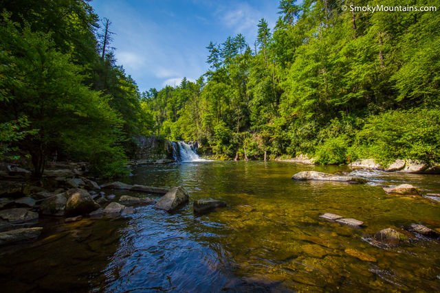 Abrams-Falls-Smoky-Mountains-National-Park-1-4