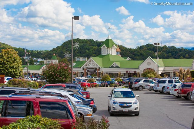 Tanger-Outlets-Pigeon-Forge-1