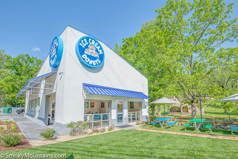 Gatlinburg Restaurants - Mad Dogs Creamery Gatlinburg - Original Photo