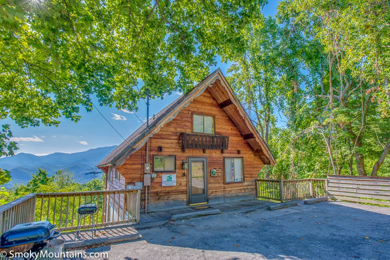 Smoky mountain view for Gatlinburg dollywood cabins