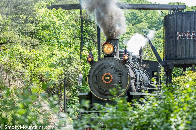 One Day at Dollywood? Everything You Must See, Do, and Eat