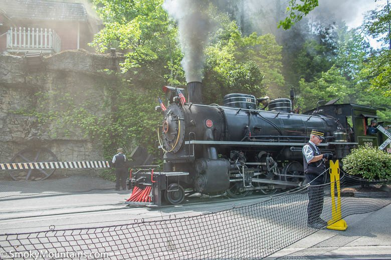 Dollywood Express Train Ride Review With Photos