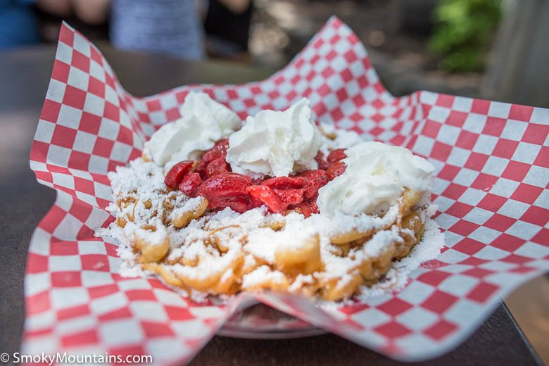 Dollywood Food - Crossroads Funnel Cakes - Original Photo