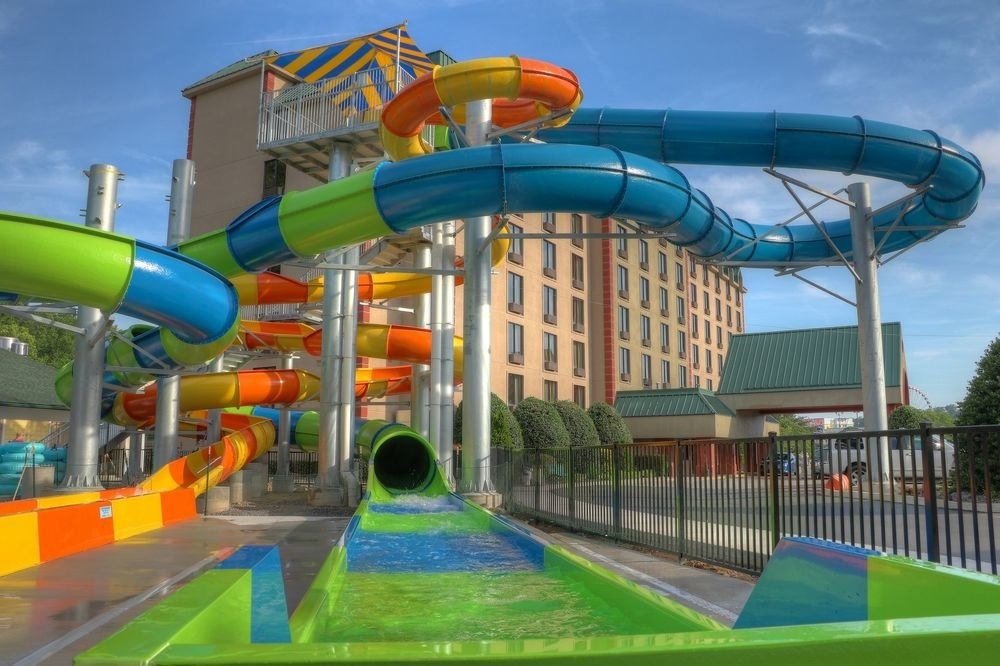 Country Cascades Pigeon Forge Water Park