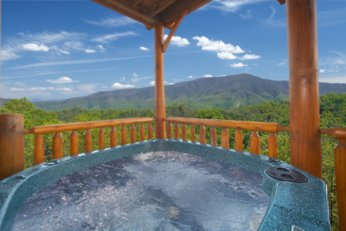 Pigeon Forge Cabins with Hot Tubs