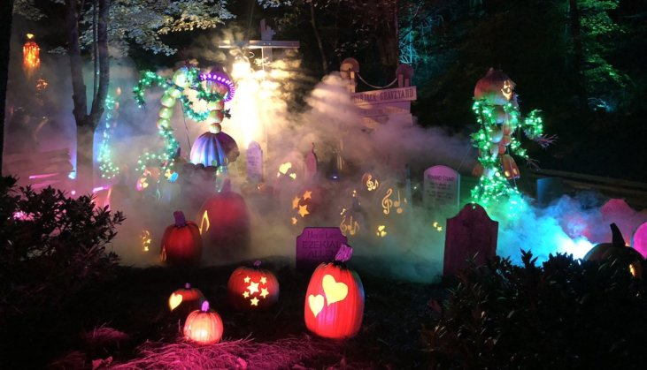 Dollywood Halloween 2020 Review of Dollywood's Great Pumpkin LumiNights w/ Photos