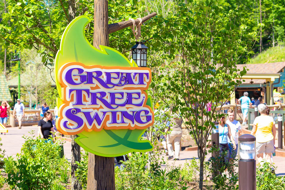 Dollywood Rides - Great Tree Swing - Original Photo
