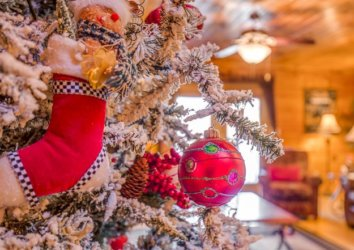 Gatlinburg at Christmas: 8 Events And Attractions You Can't Miss During the Holiday Season