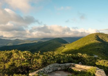 12 Awesome Outdoor Adventures in Asheville