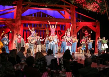 9 Christmas Shows in Pigeon Forge You Can't Miss