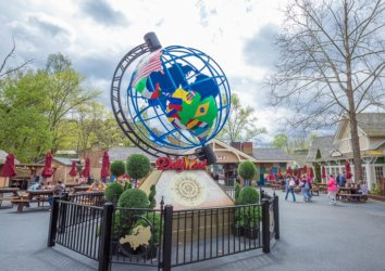 5 Reasons to Visit Dollywood's Festival of Nations in 2020