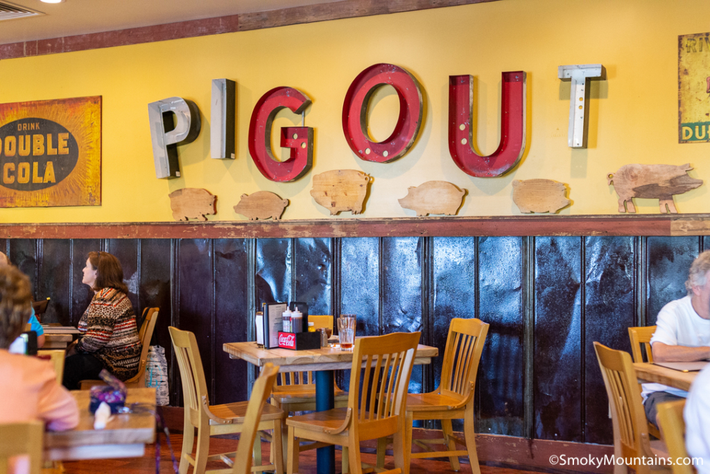 Pigeon Forge Restaurants - Puckett's Grocery & Restaurant – Pigeon Forge - Original Photo