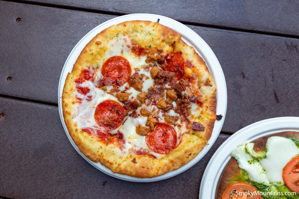 Dollywood Food - Lumber Jack's Pizza - Original Photo