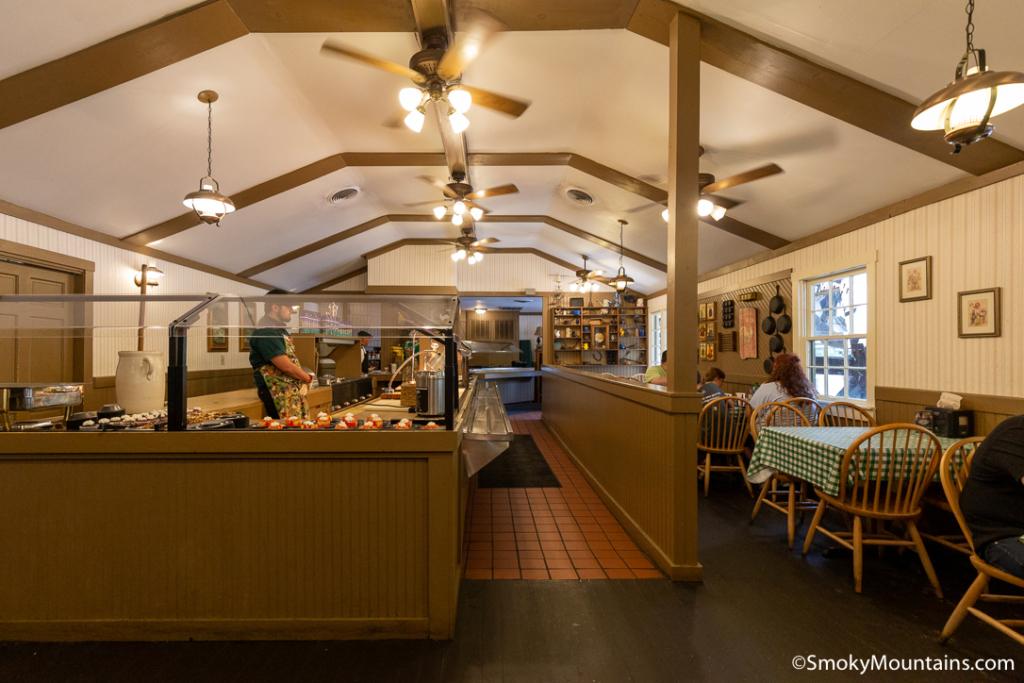 Dollywood Food - Miss Lillian's Smokehouse - Original Photo