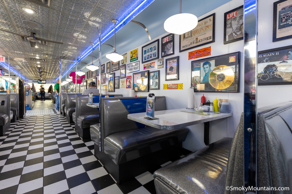 Pigeon Forge Restaurants - Mel's Classic Diner - Original Photo