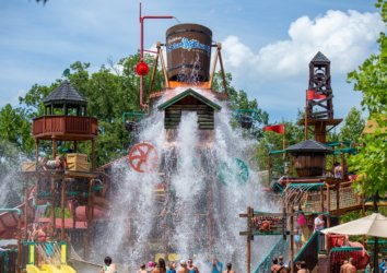Ultimate Guide to Dollywood's Splash Country