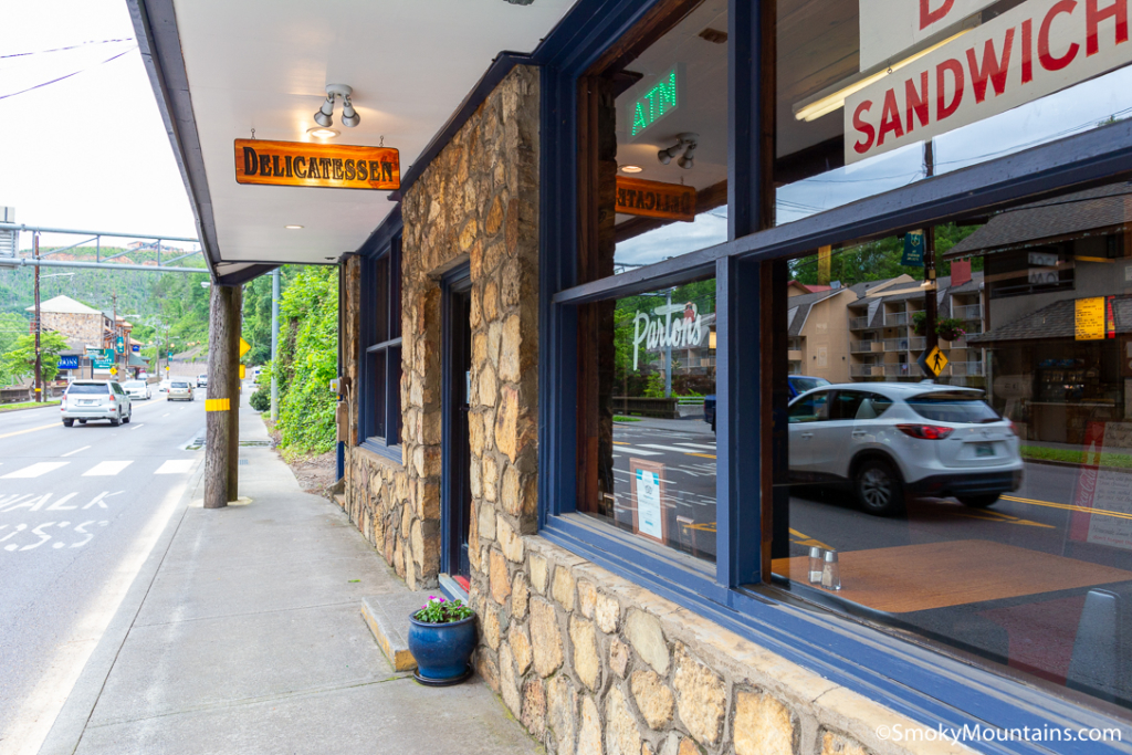 Gatlinburg Restaurants - Parton's Deli - Original Photo