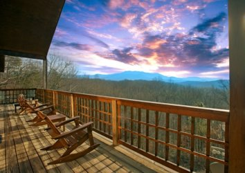 5 Gatlinburg Cabins with Amazing Views (Perfect for Fall!)