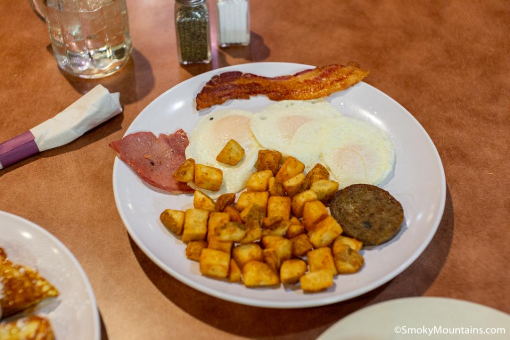 Pigeon Forge Restaurants - Sawyer's Farmhouse Restaurant - Original Photo