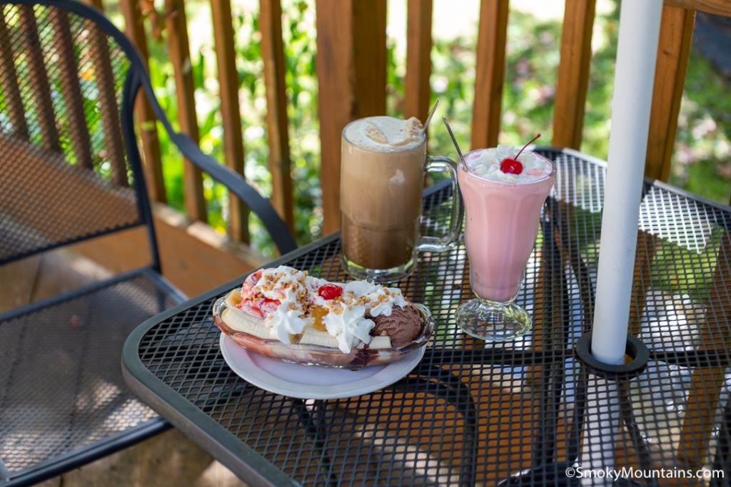 Gatlinburg Restaurants - Glades Soda Fountain - Original Photo