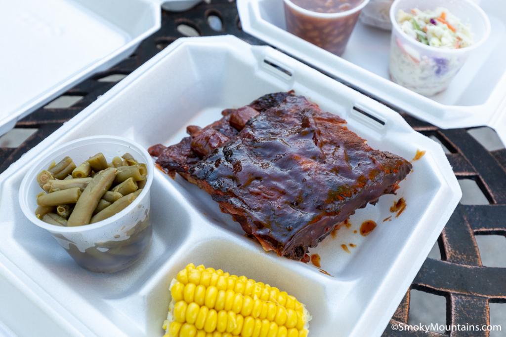 Gatlinburg Restaurants - Hungry Bear BBQ #2 - Original Photo