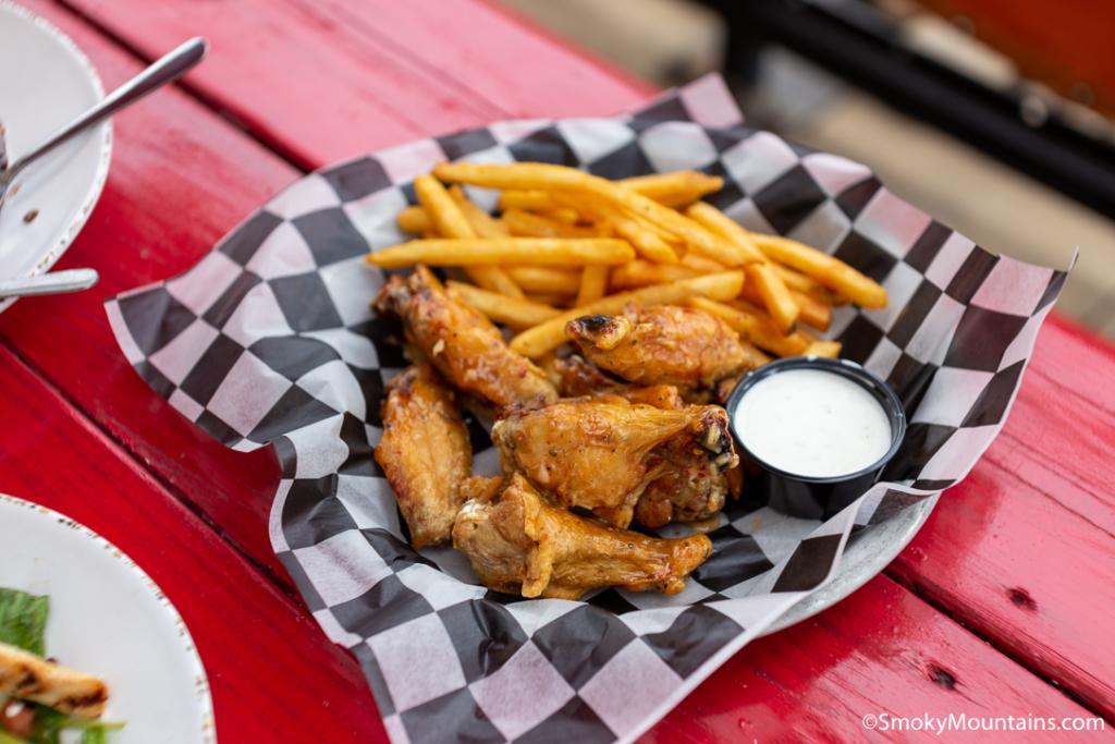 Pigeon Forge Restaurants - Dick's Last Resort at The Island - Original Photo