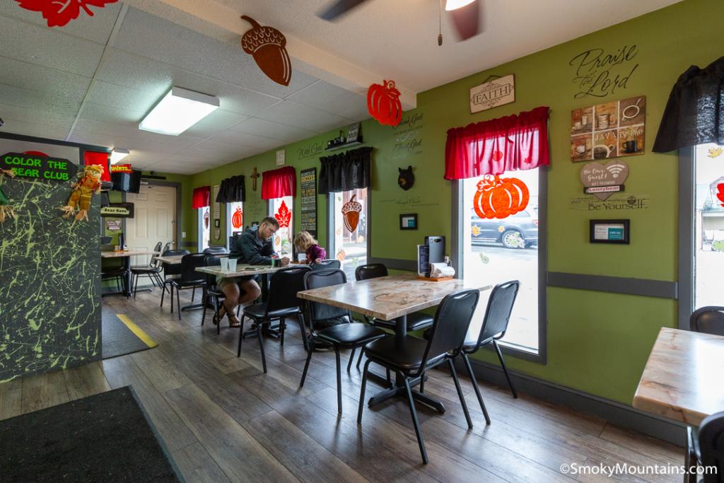 Pigeon Forge Restaurants - Lil Black Bear Cafe - Original Photo