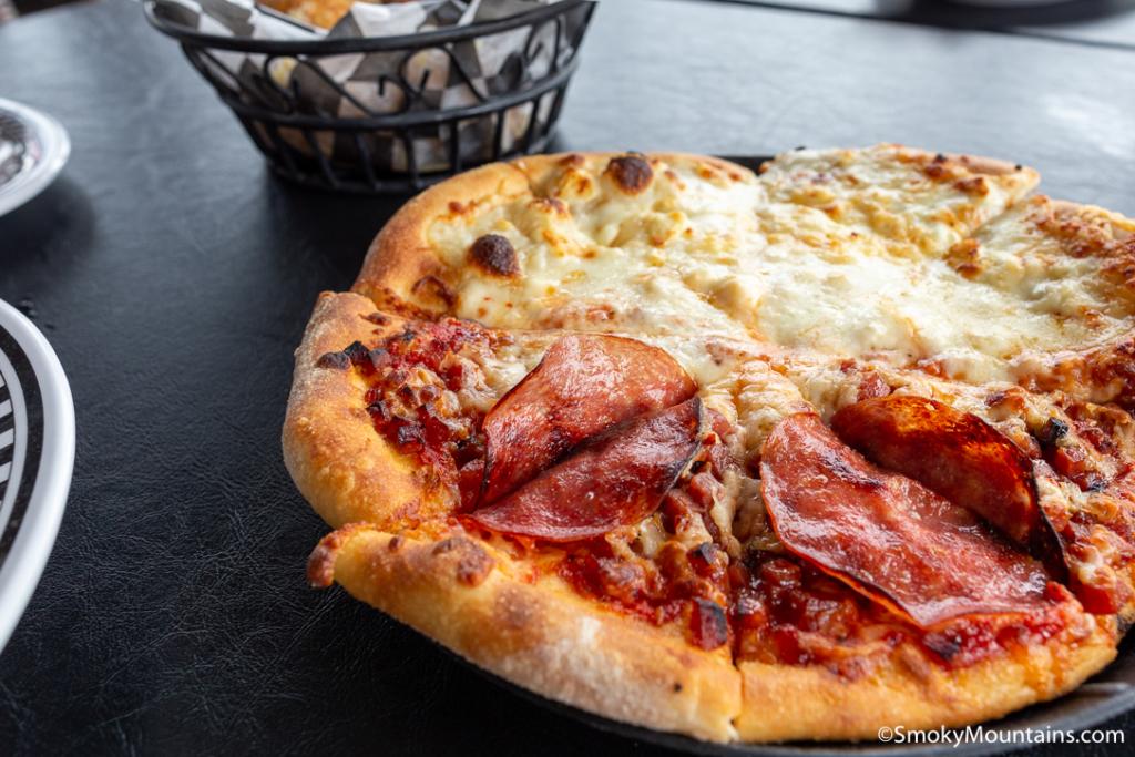 Sevierville Restaurants - Big Daddy's Pizzeria Sevierville - Original Photo