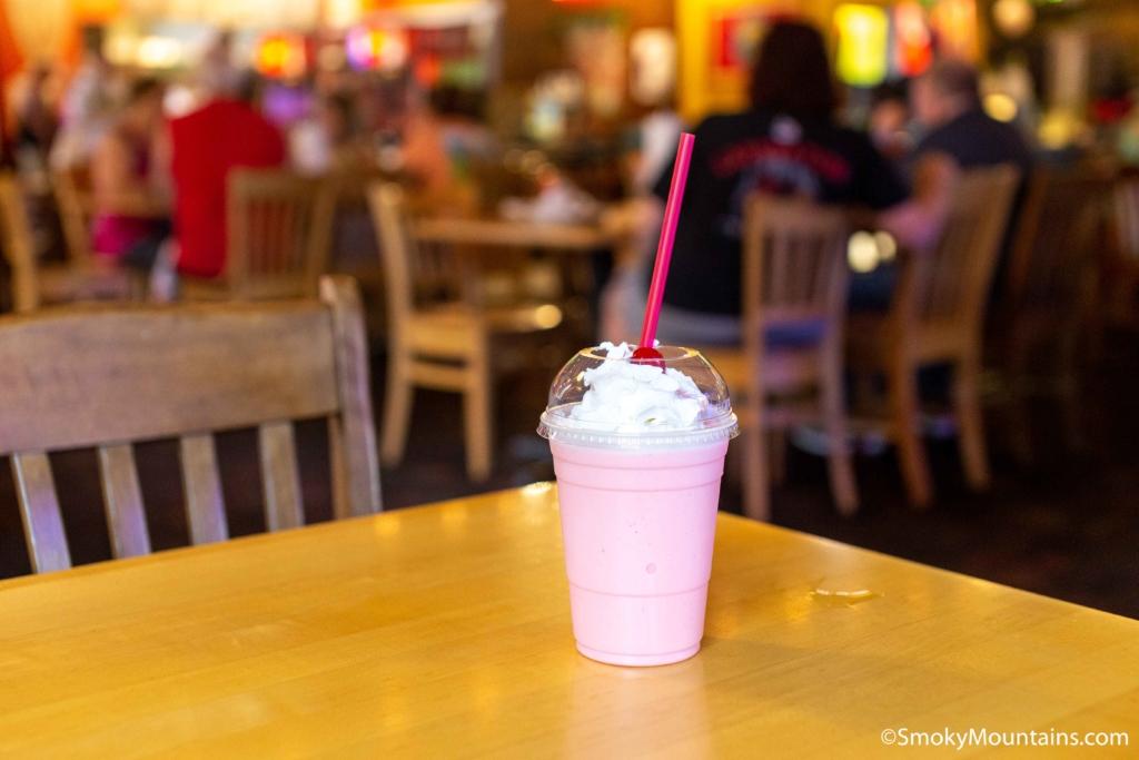 Sevierville Restaurants - Fuddruckers - Original Photo