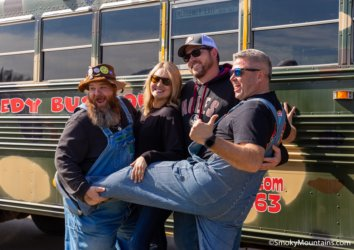7 Reasons to Book a Spot on the Redneck Comedy Bus Tour