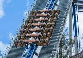 """The """"Scariest"""" Rides at Dollywood Ranked (Top 5)"""