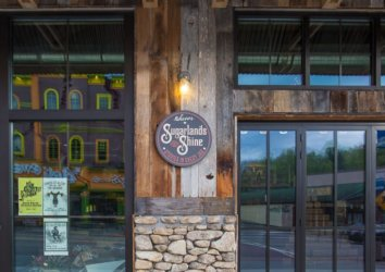 5 Reasons to Visit Sugarlands Distilling Company in Gatlinburg, Tennessee