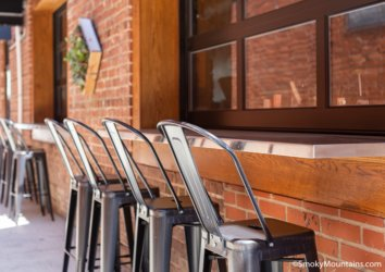 Your Guide to the Best Outdoor Dining in Sevierville, TN